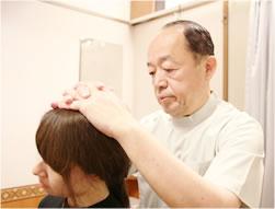 首の施術、検査写真